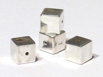 Würfel 6 mm mittig gebohrt, 925 Silber