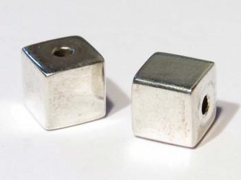 Würfel 8 mm mittig gebohrt, 925 Silber