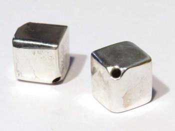 Würfel 8 mm diagonal gebohrt, 925 Silber